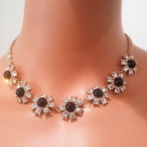 VERA BRADLY SHORT FLOWER STONE NECKLACE